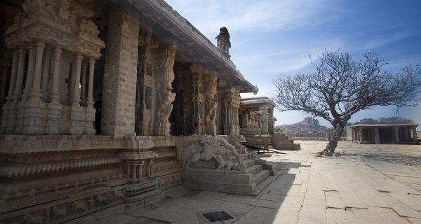 Храм Виттала в Хампи: каменная колесница Бога, Фото forum.awd.ru