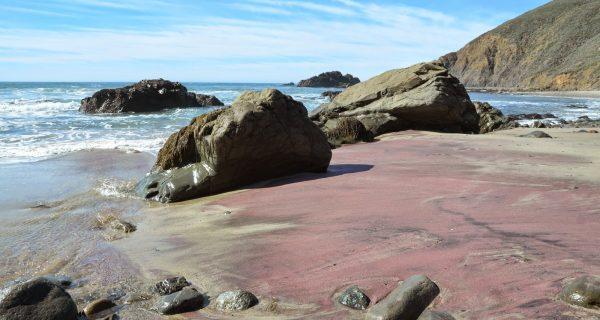 Pfeifer Beach - пляж с разноцветным песком, Фото nea-mylifeinca.blogspot.ru