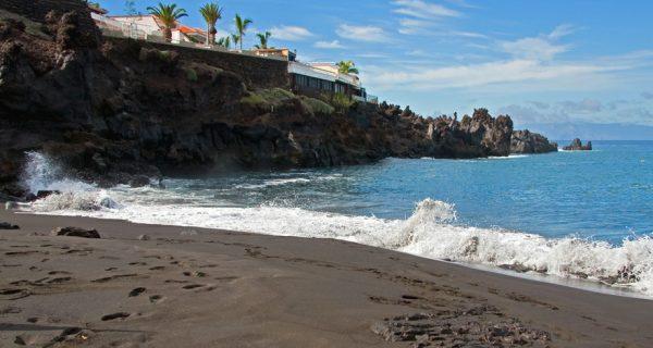 Пляж Playa de la Arena с черным песком, Фото webtenerife.ru