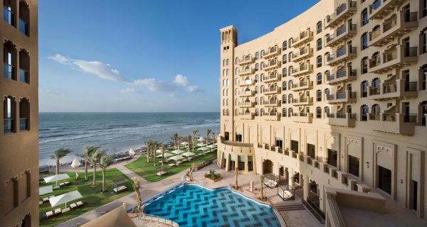 Отель на набережной - Ramada Beach Ajman, Фото tcc.com.ua