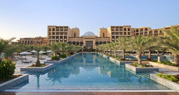 Вид днем - отель Hilton Ras Al Khaimah Resort & SPA, Фото golfresan.se