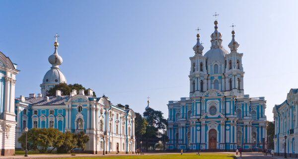 Смольный монастырь в Санкт-Петербурге, Фото nice-places.com