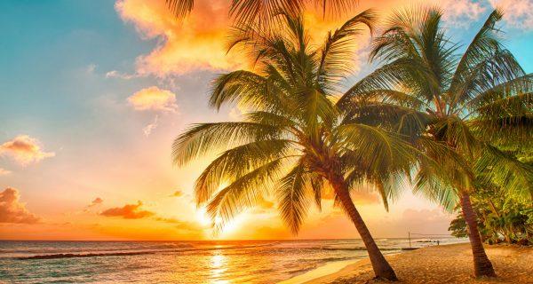 Закат на пляже Гоа.