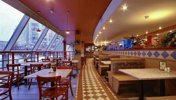 Ресторан Pizza Hut у метро Петроградская, Фото afisha.ru