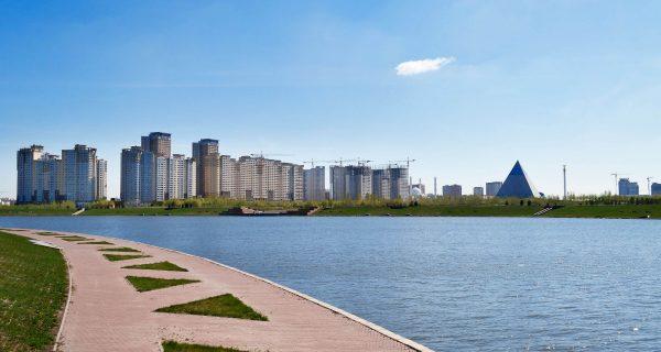 Набережная на реке Ишим, Астана
