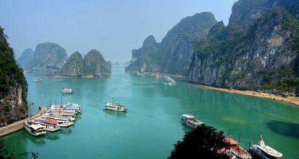 Бухта Халонг, Вьетнам, Фото reversehomesickness.com