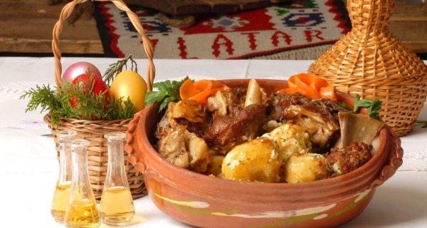 Ягнятина, национальное блюдо Черногории, Фото weproject.kz