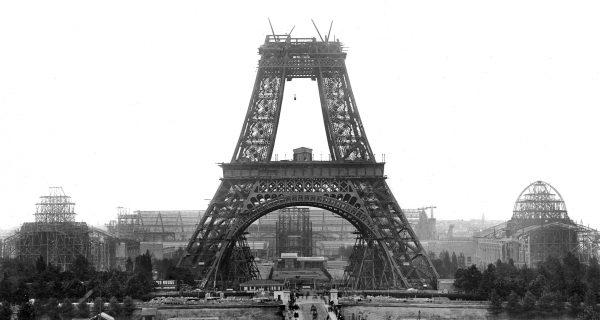 Возведение Эйфелевой башни в Париже, Фото swissinfo.ch