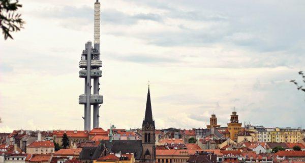 Жижковская телевизионная башня - самая высокая в Праге, Фото strannik.me
