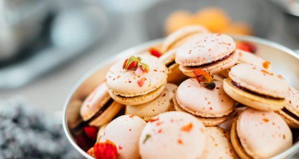 Французские пирожные - макаруны, Фото unsplash.com, Karlis Dambrans