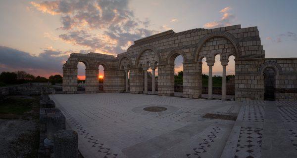 Голямата базилика (Большая базилика) в средневековом городе Плиска, Фото flickr.com