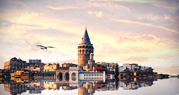 Галатская башня возвышается над всем Стамбулом