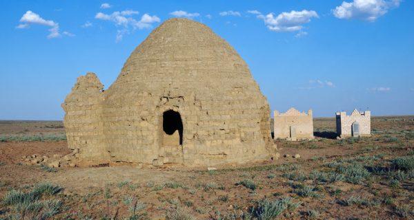 Древний мусульманский мавзолей в Актюбинской области