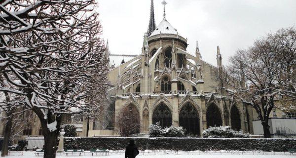 Собор Парижской Богоматери зимой, Фото zastavki.com