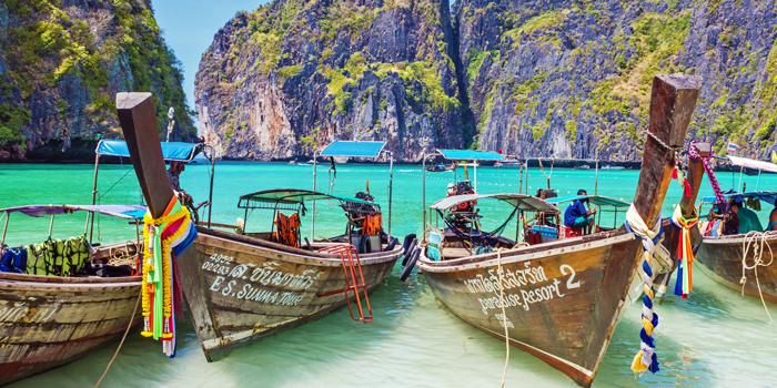 Лодки на берегу острова Пхукет