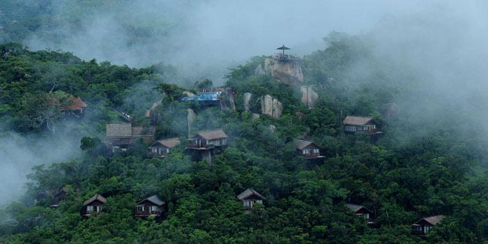Домики в лесу на острове Хайнань