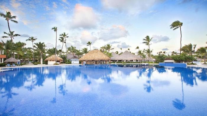 Бассейн в отеле Grand Bahia Principe Punta Cana 5*
