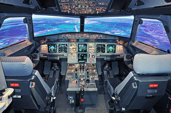 Кабина пилотов A319